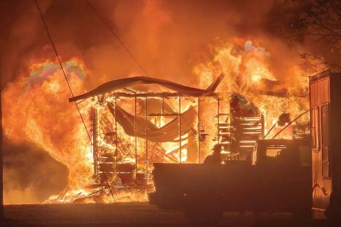 Fires destroy Wetumka home and Dustin store