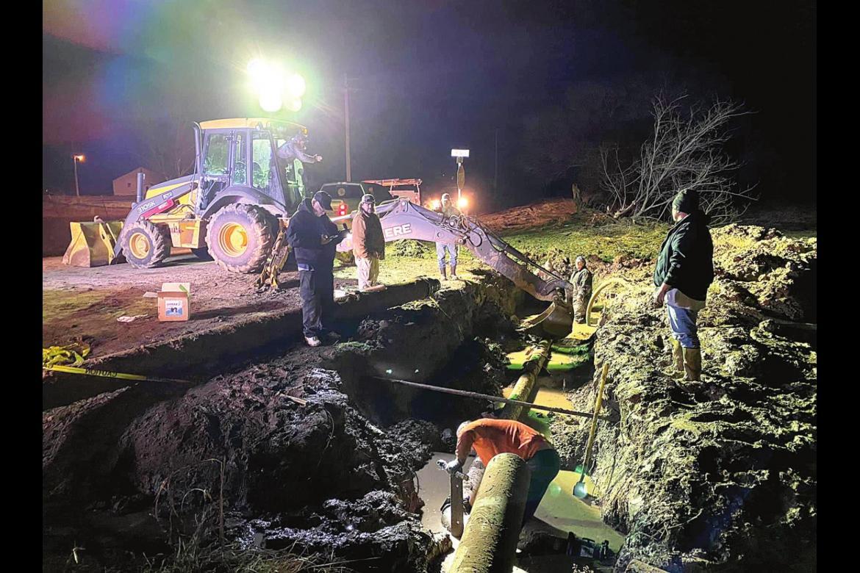 Water line repairs underway in Wetumka/Dustin